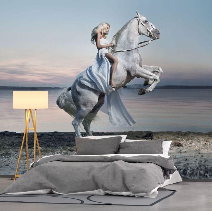 Fototapeta z kobietą na koniu.