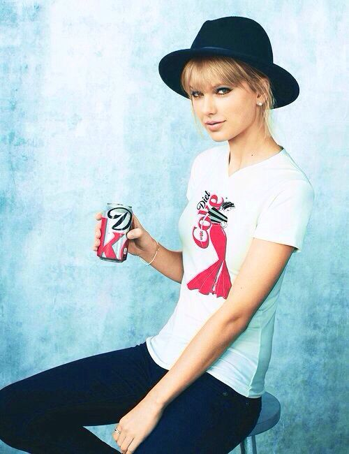 Taylor Swift Beauty, Makeup, Diet and Fitness Secrets