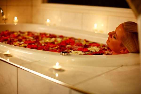 Enjoy a luxury spa bath in the cosy cottages at Lisson Grove on Tamborine. Book now http://ticketsandtours.com.au/accomodation/