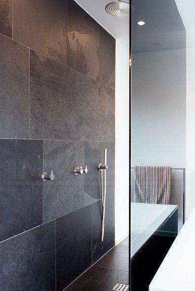 25 beste idee n over leisteen tegel vloeren op pinterest leisteen tegels in de badkamers en - Badkamer imitatie vloertegels ...