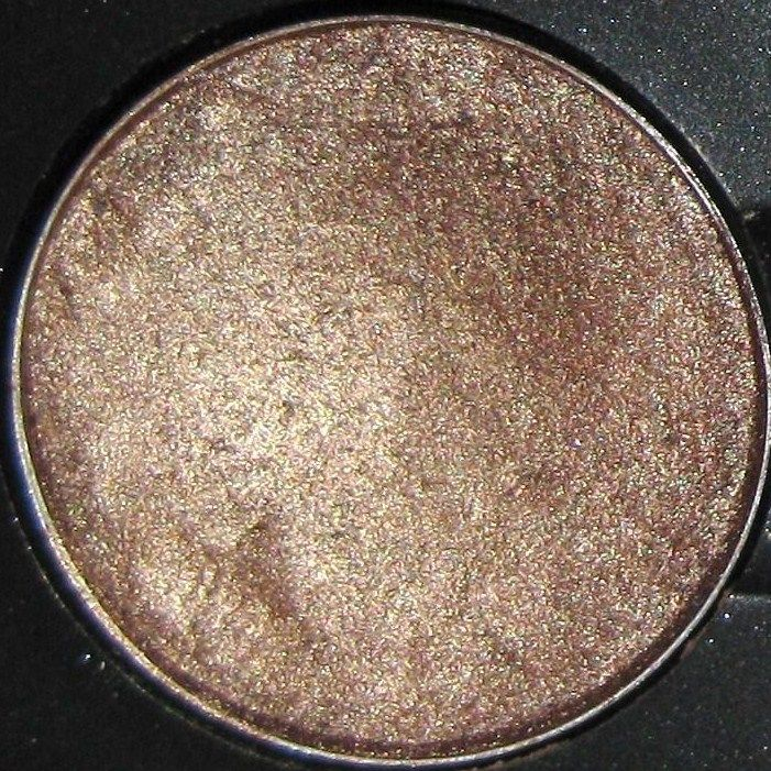 MAC Eyeshadow Woodwinked (veluxe pearl) Warm antique gold [Veluxe Pearl]
