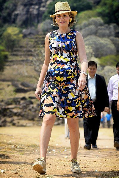 On the last day of her visit to Laos, Queen Mathilde visited the Vat Phou temple (meaning: mountain temple) south of Pakse, which is in the Unesco World Heritage List on February 23, 2017.