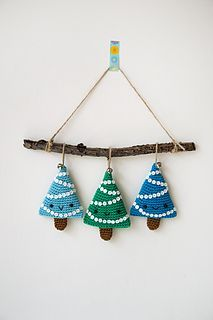 Alberelli Christmas decoration, free Ravelry download - pattern Ilaria Caliri