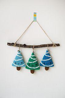 Alberelli Christmas decoration, free Ravelry download - pattern Ilaria Caliri