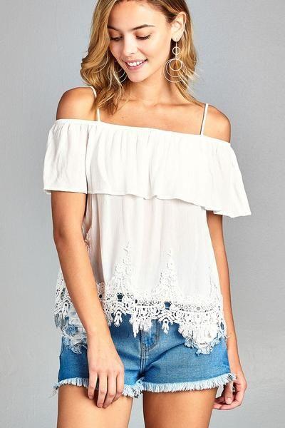 f8c69933639 Ladies fashion flounce open shoulder w/hem crochet lace crinkle gauze woven  top