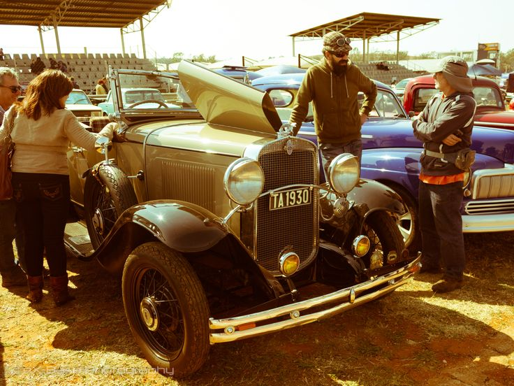 Pretoria Old Motors Club was established in 1966. The first POMC - CARS in the PARK was held in 1980 at the POMC Club grounds in Keuning Street Silverton. Nine cars of POMC club members were displayed. From 1982, other clubs were also invited to display their vehicles. By 2005 more than 80 clubs displayed about 2000 vehicles and the POMC grounds became too small to accommodate any further growth. After investigation it was decided to move the event in 2006 to the Zwartkops Race Track