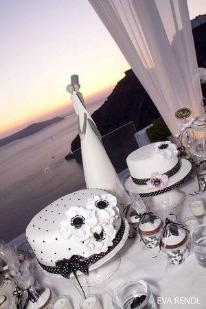 black and white wedding cakes  Event Planning By Poema Weddings  www.poemaweddings.com  Wedding Reception Venue Dana Villas  www.santorini-wedding.com