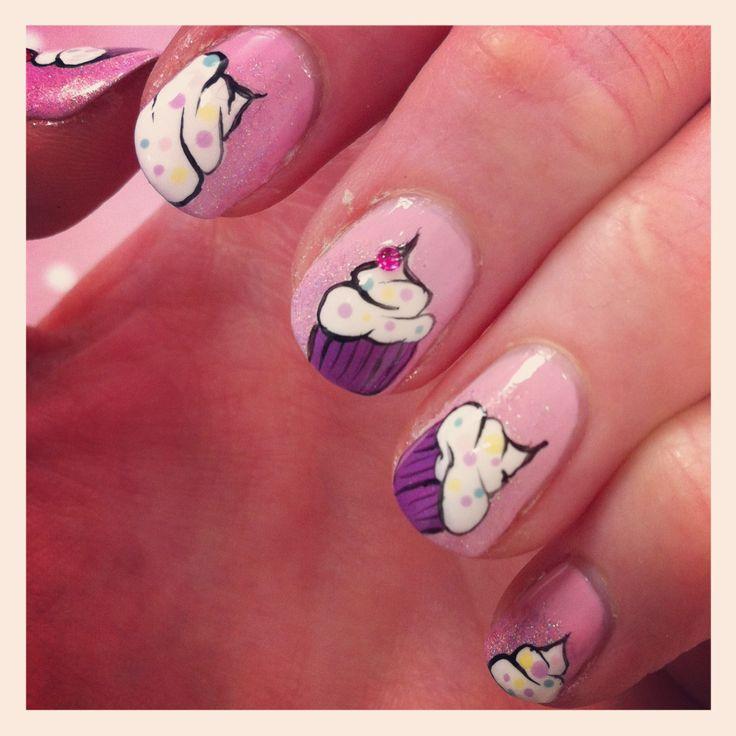 nail art cupcake Nail art, Tarto et cie   Nail art cake (Gâteau vernis à ongles) [en vidéo très fashion]