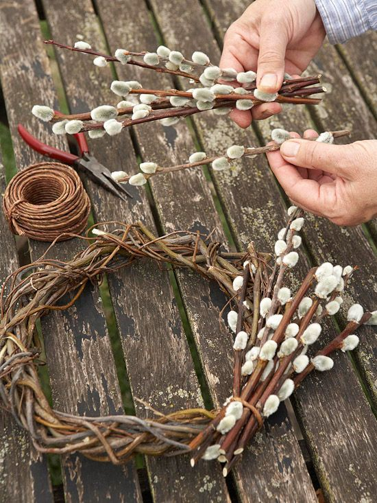 Follow our easy step-by-step instructions to make a simple and striking wreath from pussy willow trimmings.