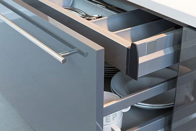 Keuken lades detail railsysteem - kleine la in grote