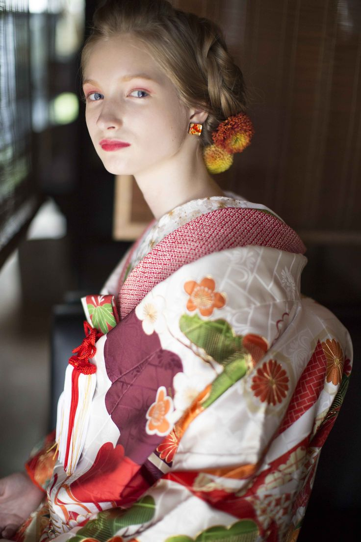 AYUMI BRIDAL  kimono kyoto japan  色打掛 手描友禅 着物 白地 瑞雲飛翔宴舞