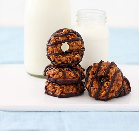 Homemade Samoas Cookies: Girl Scouts, Homemade Caramels, Homemade Samoa, Caramel Delight, Cookies Recipe, Girls Scouts Cookies, Samoa Cookies, Buttons Recipe, Cookie Recipes