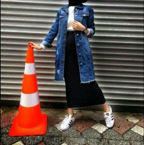Oversized jean jacket-How to layering with hijab – Just Trendy Girls