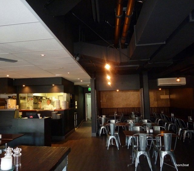 Nobbys Arc is a great venue for a casual night out: funky bar, good food and fabulous service!