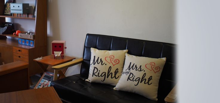 Cushion Cover Set (Mr & Mrs. Right)