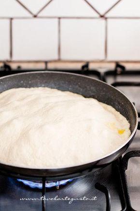 Cuocere la focaccia in padella - Ricetta Focaccia in padella