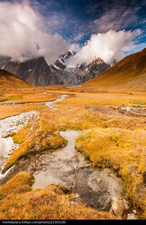 Spring waters in Malatrà Valley - Aosta Valley, Italy © Andrea Varetto | 500px.com | #ValleDAosta #Italia #Aostatal #Italien
