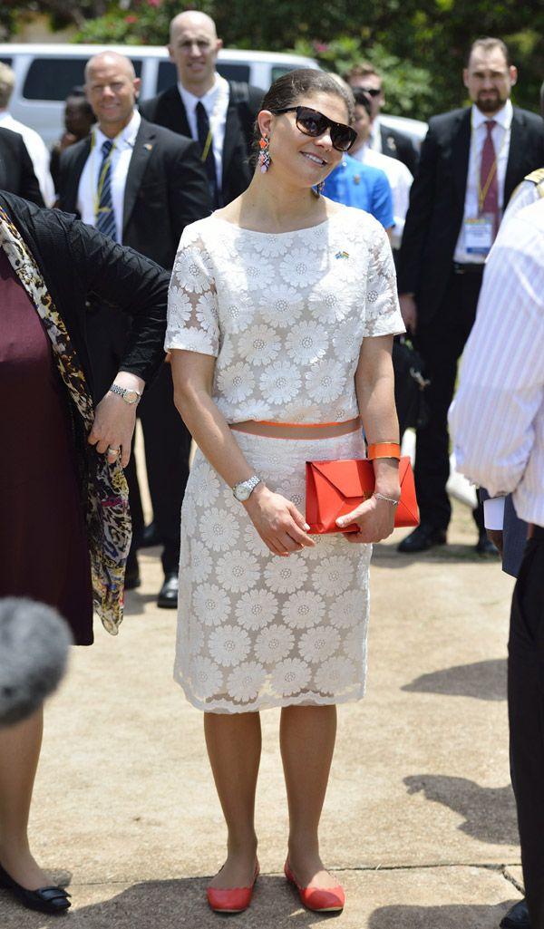 Victoria de Suecia deja a la princesa Estelle al cuidado del príncipe Daniel y se va de gira oficial a Ghana y Tanzania