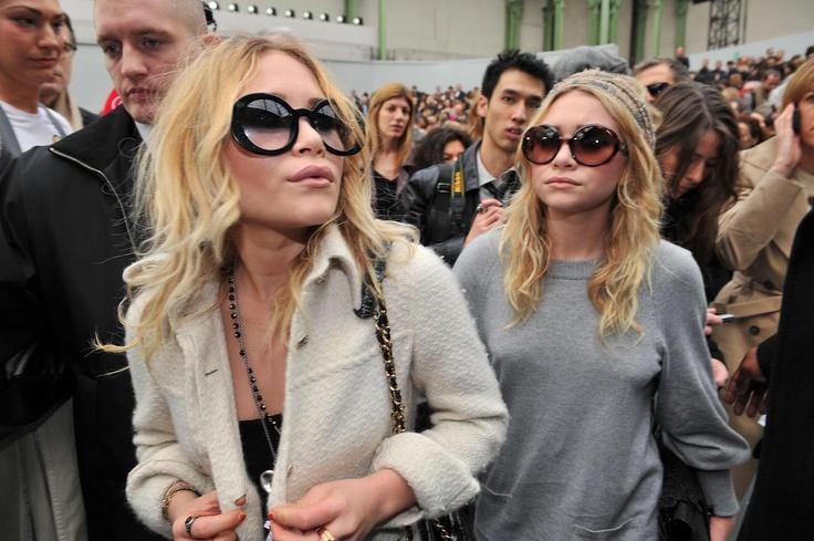Michelle Looks Older Than She Should Mary Kate And Ashley Olsen Pinterest Love Glasses