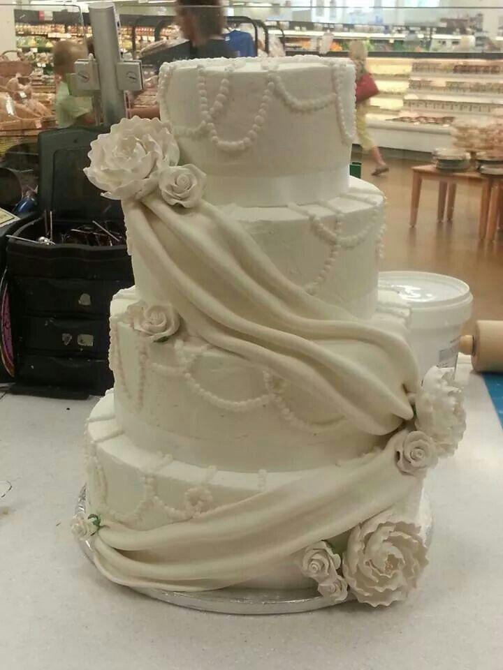 explore elegant wedding cakes
