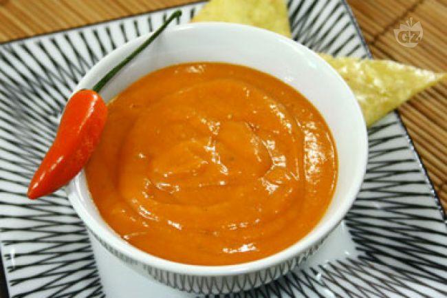 La salsa enchilada è una salsa Messicana a base di pomodoro e peperoncino che viene usata per insaporire le enchiladas e ammorbidire le tortillas.