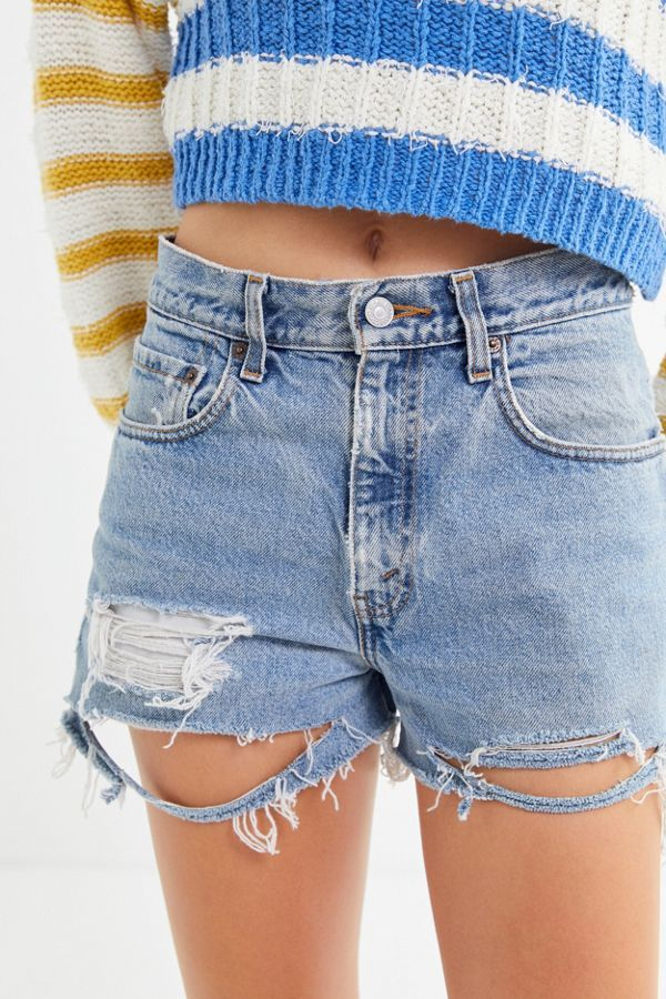 490a80df Urban Renewal Recycled Levi's Low-Rise Slouchy Denim Short | Urban  Outfitters