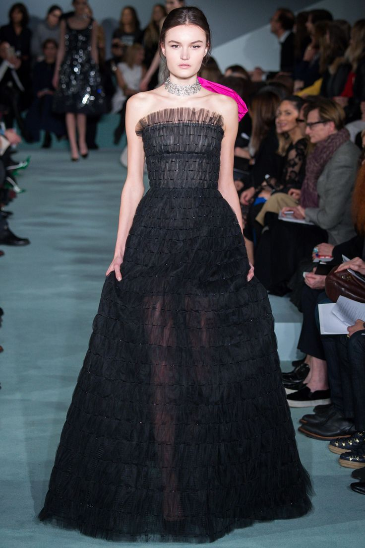 Oscar de la Renta Fall 2016 Ready-to-Wear Fashion Show - Esmee Middel