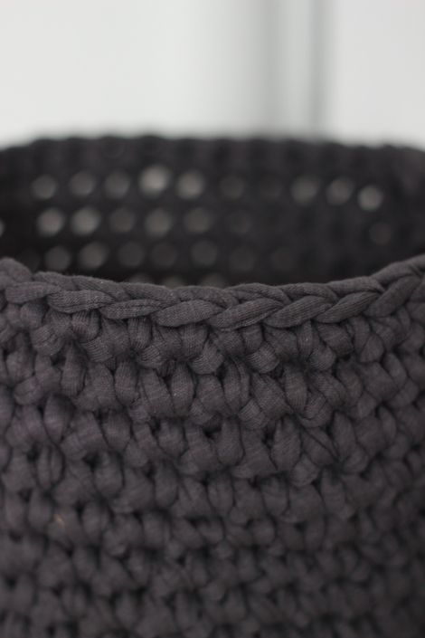 crochet basket...I need to make these!