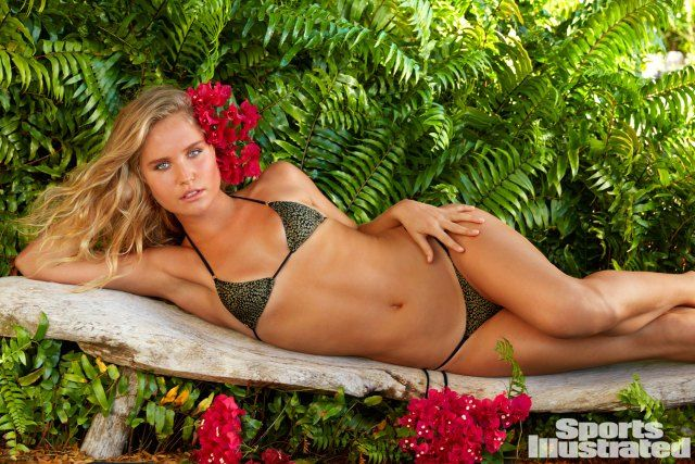 Sailor Brinkley Cook in an animal print bikini with mom Christie Brinkley ( 63 ) on Cover of Sports Illustrated: Swimsuit Edition With Gorgeous Daughters