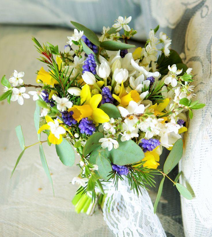 March flowers, Yorkshire grown, muscari, paperwhites, plum blossom, narcissus, waxflower foliage and eucalyptus. http://owlhouseflowers.wordpress.com