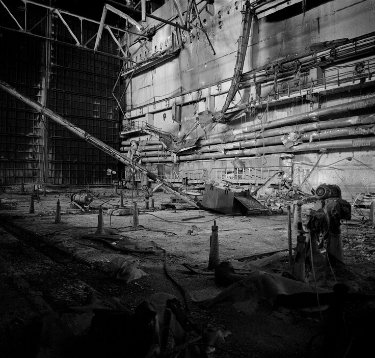 Chernobyl, Ukraine, Ocober 1995. The explosion at the Chernobyl Nuclear Power Plant on April 26 1986 was the worst nuclear accident in history. Ruins inside the sarcophagus enclosing Reactor No 4.