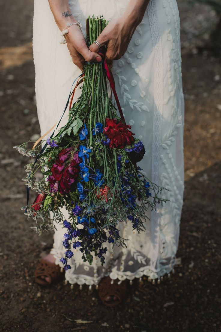 Long stems, just a few flowers, long ribbon  Treeblog: A DIY Boho Wedding