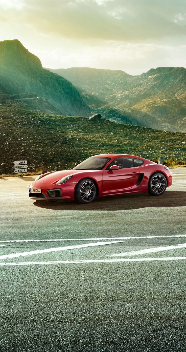 Purism without sacrifice: the new #Porsche #Cayman #GTS.