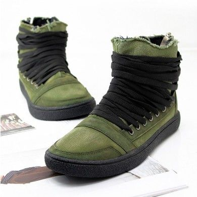 En http://www.spektrodesign.com/zapatillas-verde-ca-a-alta-cordones.html