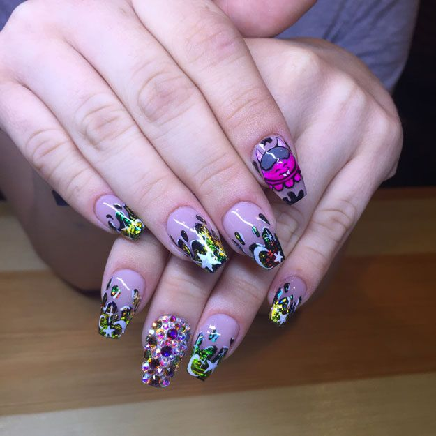 Pro Nail Designs: 68 Best Images About Character Nails And Pop Art On Pinterest