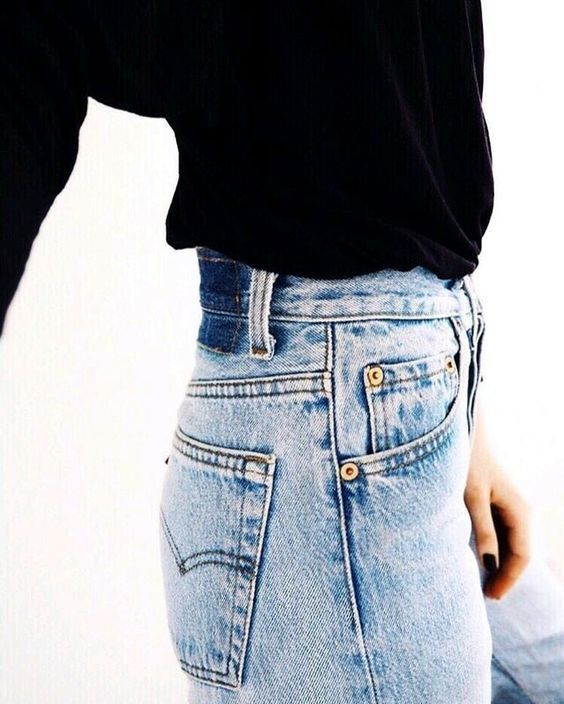High rise vintage Levi's mom jeans