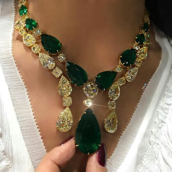 A Gorgeous Emerald and Diamond Necklace #IndianJewelry #jewelrynecklaces