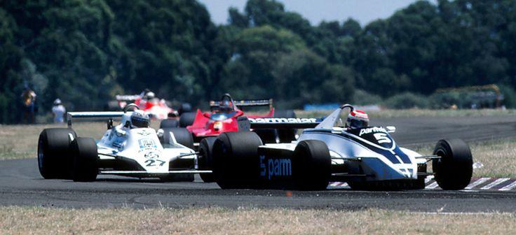 Nelson Piquet lidera la carrera. Finalmente Alan Jones terminaría tomando el primer lugar y llevándose el Gran Premio de Argentina. 1980.
