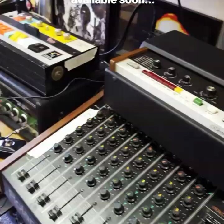 Electro Heaven. Short and to the point this video went up on our story but I kept coming back to it on my phone and decided it needed to be resurrected (hence the low video quality & cut off words at the top). The raw jacking sound of a Roland TR-55 through a Maestro G-2 and then an RE-150. So analogue and so addictive.