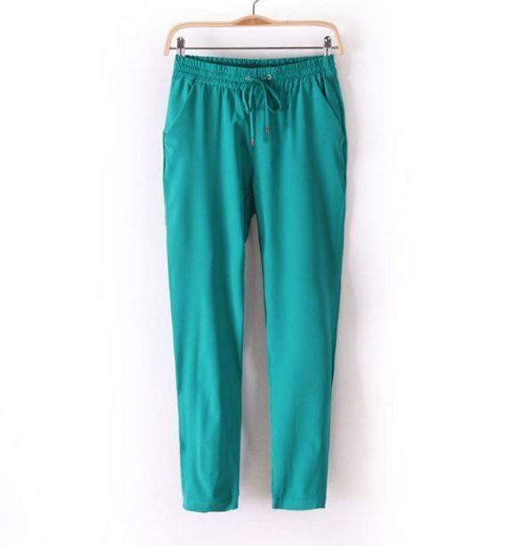 Módní dámské barevné volné pohodlné kalhoty zelené – Velikost L Na tento produkt se vztahuje nejen zajímavá sleva, ale také poštovné zdarma! Využij této výhodné nabídky a ušetři na poštovném, stejně jako to udělalo již …