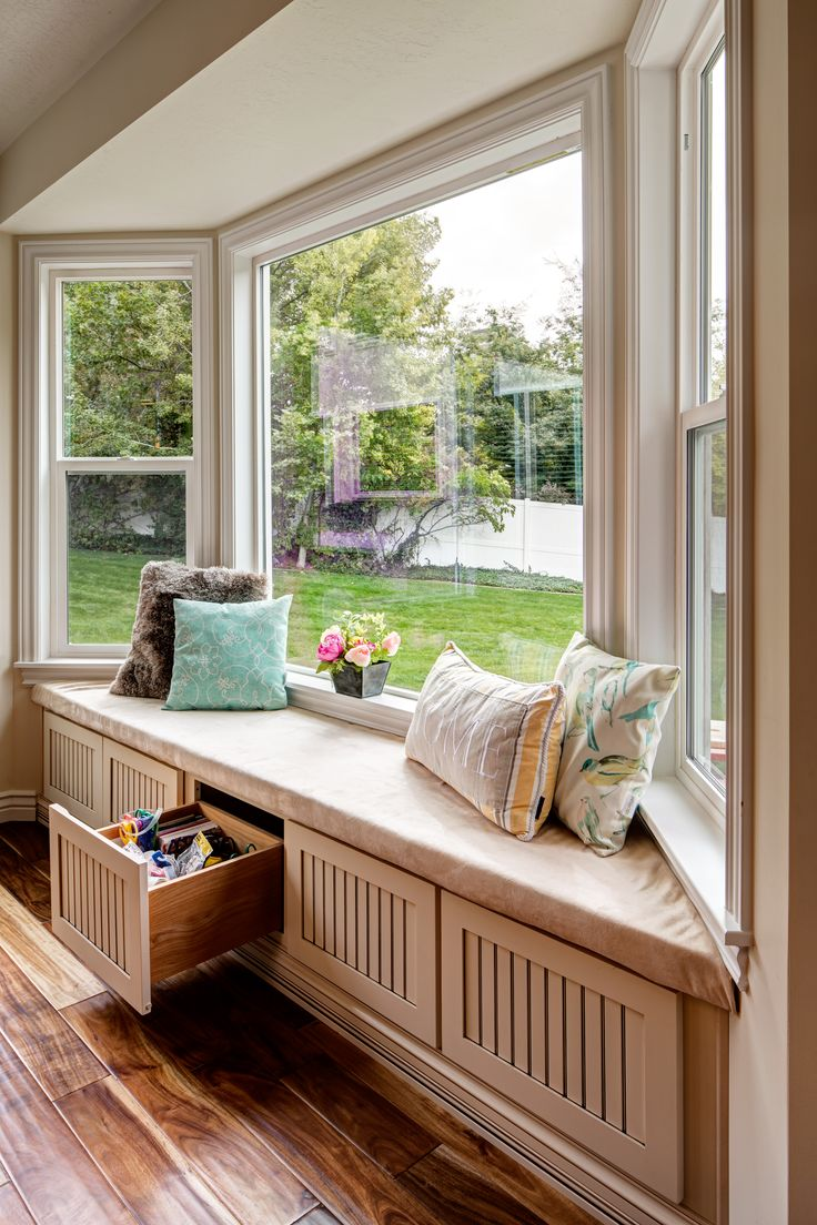 Style home westport ct cardello architects serving westport - Millcreek Maple Linen Toffee Window Seat And Storage
