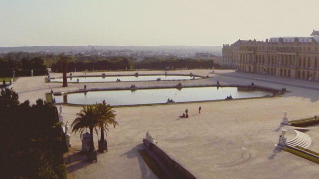 The band Phoenix sings their song Entertainment for La Blogotheques Take Away Shows.   This is the second series of Take Away Shows were doing with Phoenix. This one has been filmed at dawn in the empty gardens of Le Chateau de Versailles. It was filmed with a drone, in one continuous shot, flying around the band. All music was recorded live.  Directed by Colin Solal Cardo Produced by Chryde for la Blogothque Sound Director : Franois Clos  Sound, …