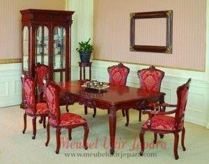 Jual meja makan klasik dengan bentuk yang cantik dan klasik. Meja makan ini kami desain dengan model 1 meja makan klasik dan 6 kursi makan yang empuk. Meja makan ini kami buat dengan bahan baku pilihan yang mempunyai kualitas tinggi. Dengan penggunaan bahan-bahan yang berkualitas akan menjadikan furniture produk kami berkualitas juga. Meja makan klasik ini cocok untuk meja makan ruang makan anda.