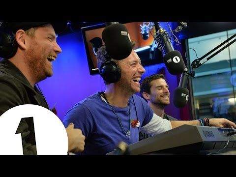 this is just...amazing XD they sing songs off the cuff Coldplay sing three very boring songs - YouTube