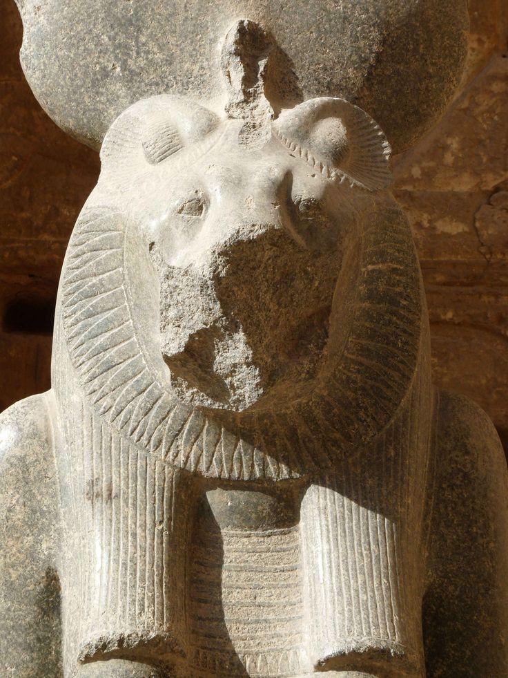 Idées de visite et informations pratiques pour faire une croisière sur le Nil en Egypte entre Louxor et Assouan avec le visite de Philae, Kom Ombo, Edfou et Abou Simbel.
