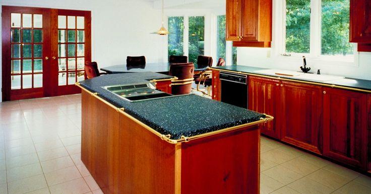 Cómo instalar pisos de granito sobre el cemento. El granito es un producto de piedra natural que se utiliza para la creación de mostradores y suelos de baldosas. Debido a que están hechos de piedra, los pisos de granito son increíblemente resistentes y duraderos. Es bastante costoso en términos de costos iniciales, pero va a durar por décadas, y puede ser más barato que otros materiales para ...