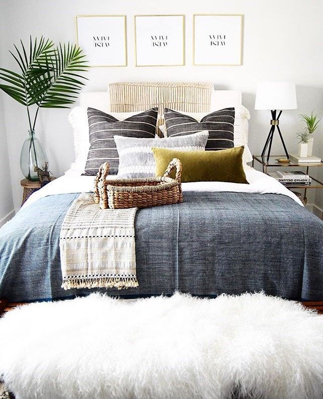 beautiful bedroom inspiration | boho vibes | stylish home | lovely interior | plant love | decoration idea | Fitz & Huxley | www.fitzandhuxley.com