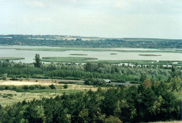 A Velencei tó (kép: wikipedia)