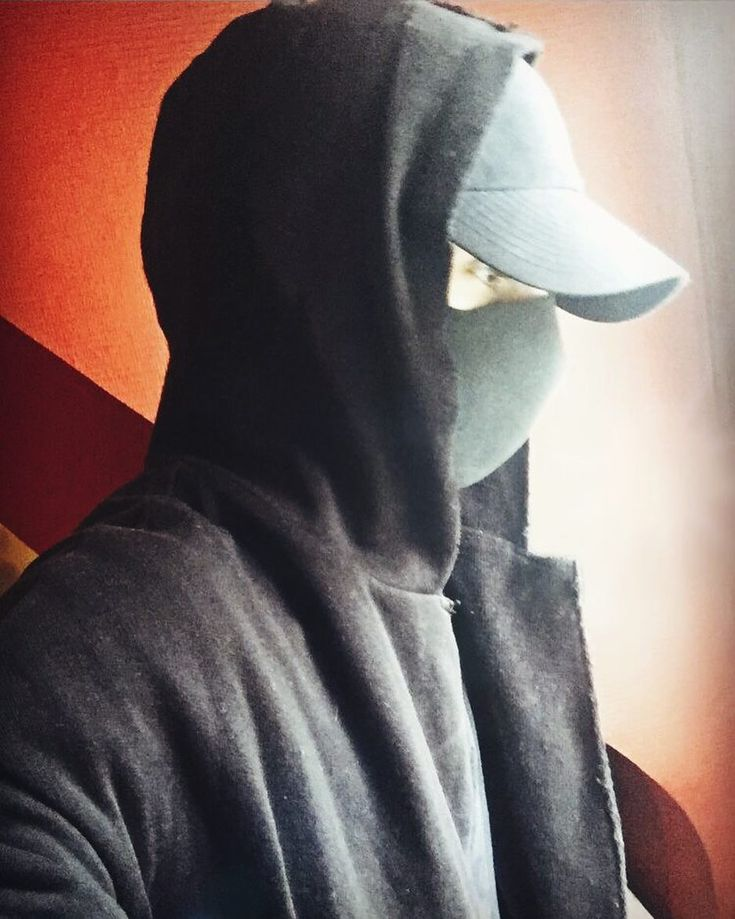 Incognito  #picoftheday#pictureoftheday#incognito#mask#masked#camouflage#gamer#gameur#gamerguy#gaming#videogames#addicted#french#black#red#overwatch#dragonballfighterz#ark#hearthstone#clashofclan#clashofclans#battlenet#steam#pc#ios#morning#darkside