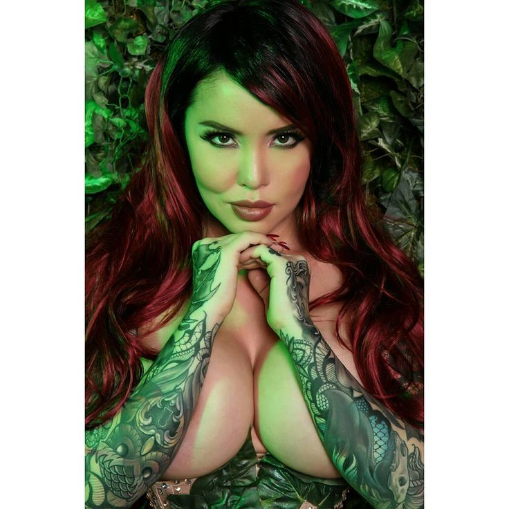 "9,590 Likes, 102 Comments - Masuimi Max (@masuimimax) on Instagram: """"You seem to have me confused with some warm blooded damsel in distress."" 🍃 Poison Ivy . New set,…"""